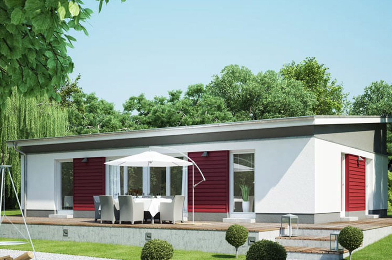 Bungalow with sliding door